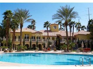 Resort Style Living In Las Vegas - Las Vegas vacation rentals