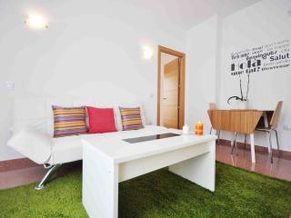 ESTHER'S APARTMENT 1º - Moclinejo vacation rentals