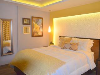 From $85 p/n LUXURY HOTEL STYLE SUITE - ISLA VERDE - Isla Verde vacation rentals