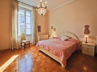 Vecchietti 2bd - Florence vacation rentals