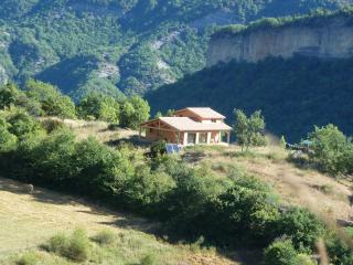 Studio with a Grill, Garden, and a Balcony with Great Panoramic Views - Alpes de Haute-Provence vacation rentals
