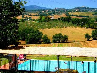 Spoleto By The Pool:APT 5. Central Spoleto/0.7 mls - Spoleto vacation rentals