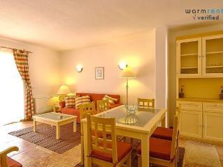 Giddah Orange Apartment - Olhos de Agua vacation rentals