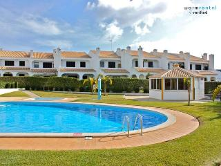 Merlin Orange Apartment - Quinta do Lago vacation rentals