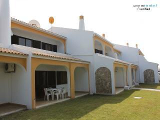 Shimmy Yellow Apartment - Quarteira vacation rentals