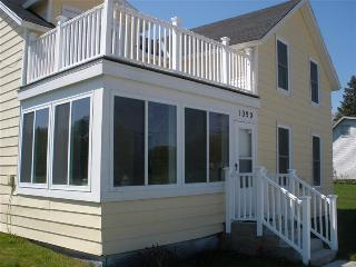 The Love Shack - Saint Ignace vacation rentals