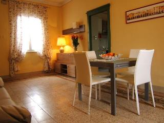 Quaint, Romantic 3 Bedroom at Casa Vacanze da Wally - Monte San Quirico vacation rentals