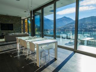 Lakeside Luxury - South Island vacation rentals