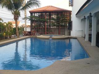 El Hacienda 5 bed villa - Hua Hin vacation rentals