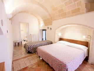 beb157  triple room - Matera vacation rentals