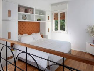 STUDIO2  - 1 BDR/1 BATH, Dizengoff, Beach, Balcony - Israel vacation rentals