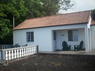 Magnólia 1 bedroom/ocean view/breakfast included - Pico vacation rentals