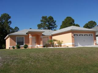 Super clean vacation Villa with Pool - North Port vacation rentals