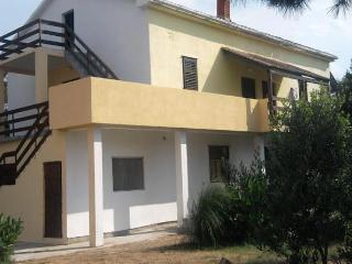 Apartmani Božito - Nin vacation rentals
