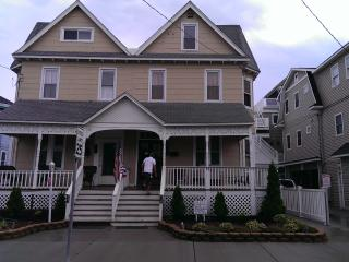 Book full / partial week! 12% OFF SALE. Sleeps 14. - Strathmere vacation rentals