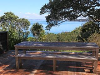 TAKIRAU BAY - Surfdale vacation rentals