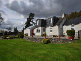 IN619 - Drumnadrochit vacation rentals