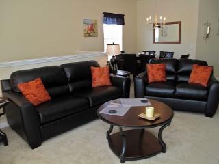 3 Bedroom 2 Bathroom Luxury Condo sleeps 8 comfortably. 7526PW - Orlando vacation rentals