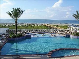 Beachfront Escape PointeWest Galveston View 2B/2FB - Galveston vacation rentals