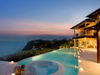 5 Bedroom Grand Cliff Front Residence - Ungasan vacation rentals