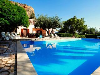 villa with pool not far from the beach - Salemi vacation rentals