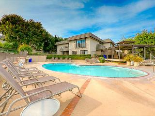 Solana Beach condo just steps to the pool and ocean - San Diego County vacation rentals