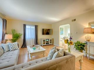 Newly furnished and tastefully decorated - just steps to the beach - La Jolla vacation rentals