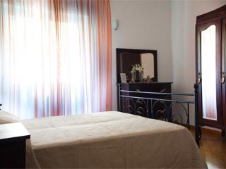 Domenico Fontana - 2554 - Naples - Milan vacation rentals