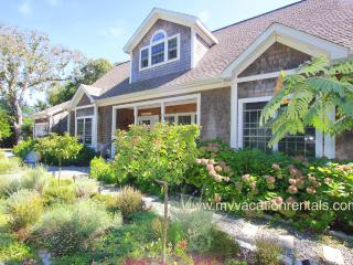WHARG - Beautifully Decorated, Private Tennis Court, Walk to Town Center and Ink Well Beach Large Private Deck, Room AC, Wifi - Oak Bluffs vacation rentals