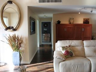 Amazing 2 BD in Little Italy(TREO-2001) - San Diego vacation rentals