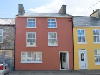 THE BOOTMAKER'S COTTAGE three-storey property, close to amenities in Kilrush Ref 906511 - Kilkee vacation rentals
