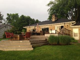 Lac La Belle Lake, Oconomowoc Cottage Retreat - Oconomowoc vacation rentals