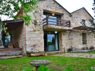 Impressive rural house in Galicia - Campo Lameiro vacation rentals