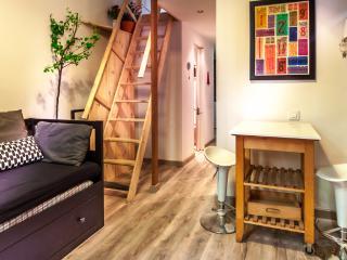 LegGracia Study Apartment Barcelona - Barcelona vacation rentals