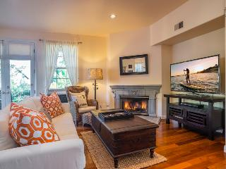 Elegant living with an ocean view in the heart of the Mesa - Casa Turquesa - Santa Barbara vacation rentals