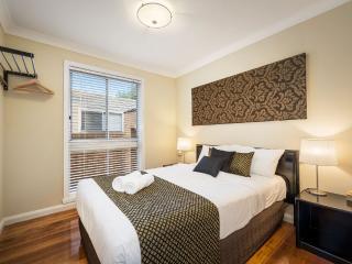 Impressive 9 bedroom Entire home Melbourne city - Melbourne vacation rentals