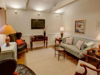 Walk everwhere from this charming three bedroom two bath charming cottage - Charleston vacation rentals