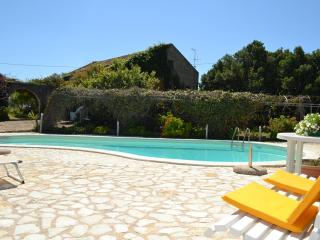 VILLA RUBINO: Picturesque villa with pool immersed in the nature - Salemi vacation rentals