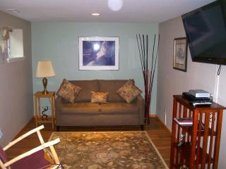 Quiet yet close to the city! - Seattle vacation rentals