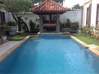Tanjung Benoa villa - short stroll to beach - Nusa Dua Peninsula vacation rentals