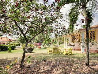 Le Pavillon Jaune - Le Francois vacation rentals