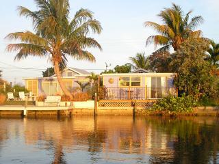 Fernando's Hideaway On The Bay In Matlacha - Matlacha vacation rentals