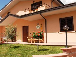 Bed & Breakfast 4 Parchi - Corfinio vacation rentals