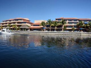 Luxury Waterfront Villa with Daily Maid Service - Puerto Aventuras vacation rentals