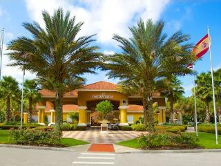 2Bed THome, Encantada Resort-4 Miles to Disney! - Orlando vacation rentals