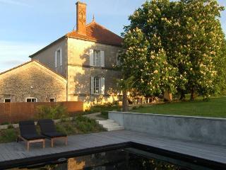 Villa Auvent - Saint Martin de Gurson vacation rentals