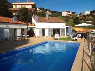 Traditional 4-bedroom Catalan villa in Sant Fost only 15km from the beach - Castelltercol vacation rentals