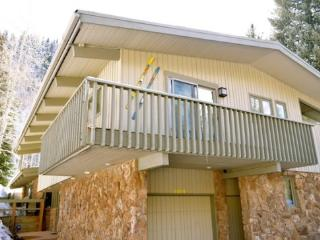 Affordable East Vail Home Near Shuttle Route, Great for Families, Sleeps 10 - Beaver Creek vacation rentals