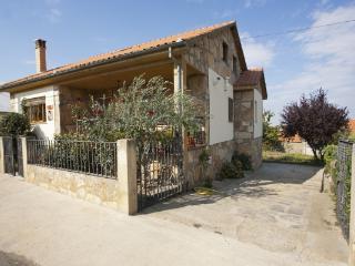 CR100Salamanca - Casa Salva - La Rinconada de la Sierra vacation rentals