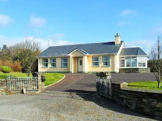 RAHEEN, detached, all ground floor, en-suite, parking, garden, in Skibbereen, Ref 911945 - Castletownshend vacation rentals
